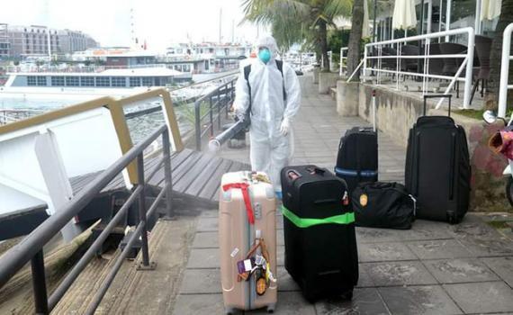 Quảng Ninh tạm dừng hoạt động du lịch từ trưa nay
