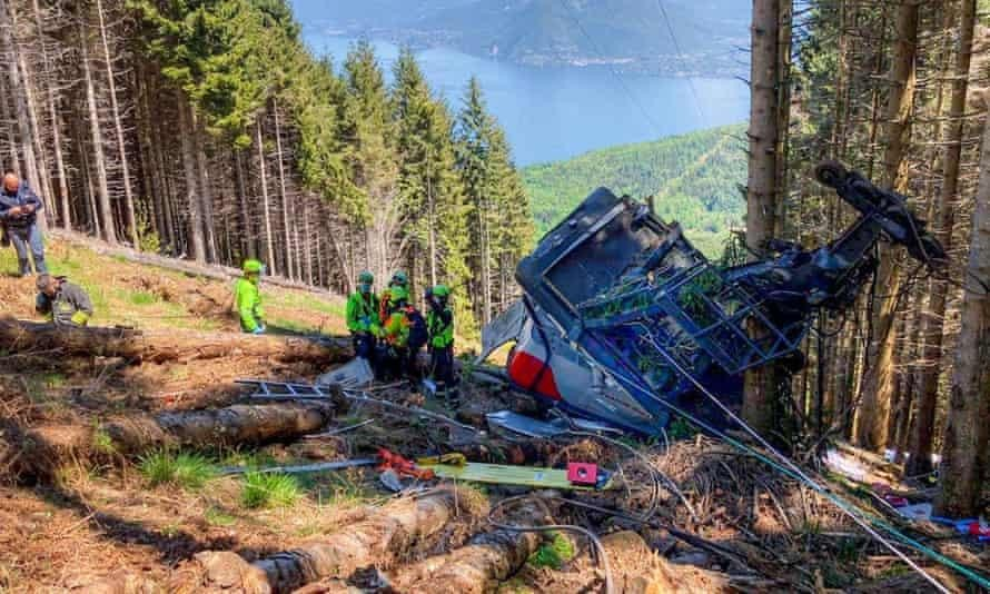 Tai nạn cáp treo khiến 13 người chết tại Ý