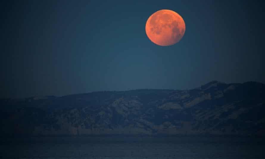 Hiện tượng 'siêu trăng máu' sẽ diễn ra vào ngày 26/5
