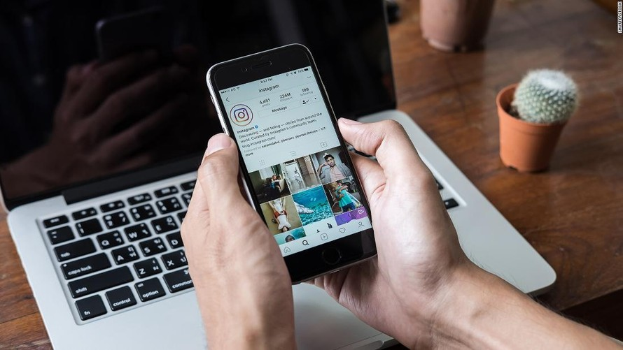 Người dùng Facebook và Instagram có thể ẩn lượt thích