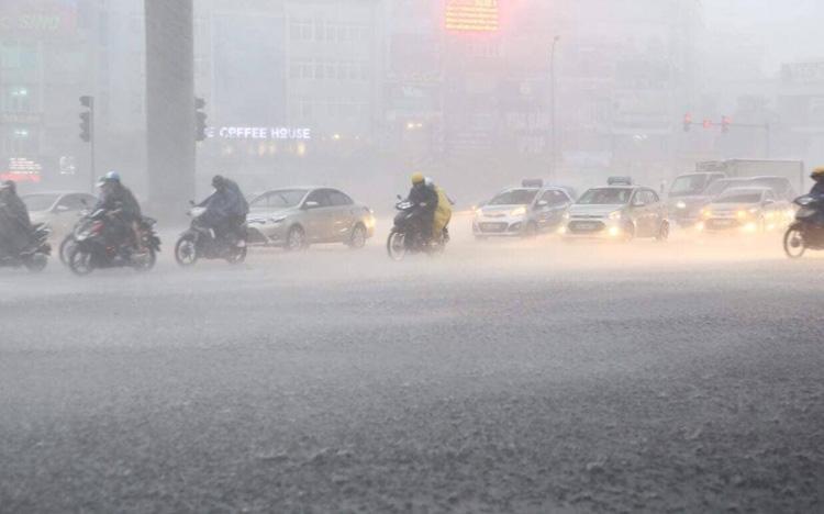 Cảnh báo mưa dông tại Bắc Bộ từ đêm nay