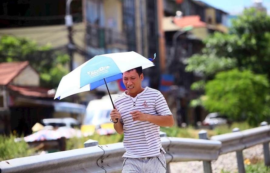 Nắng nóng ở Trung Bộ còn kéo dài đến giữa tháng 6