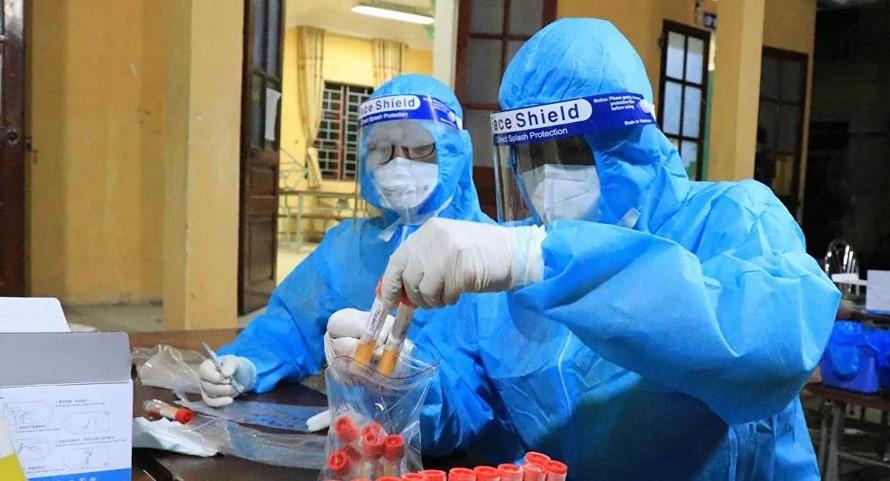 Một người bán rau tại Đông Anh dương tính với SARS-CoV-2