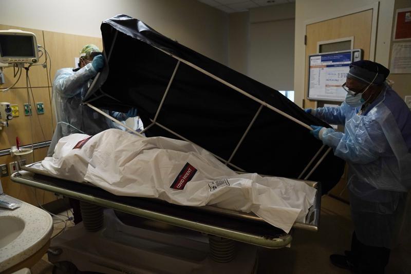 Mỹ vượt mốc 600.000 ca tử vong do COVID-19
