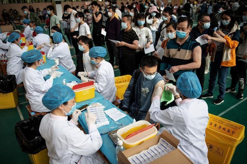 Trung Quốc tiêm được 1 tỷ mũi vaccine ngừa COVID-19