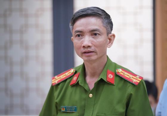 Đại tá Vũ Quốc Thắng, Phó Chánh Văn phòng Cơ quan Cảnh sát điều tra, Bộ Công an thông tin tại buổi họp báo. Ảnh: SGGP