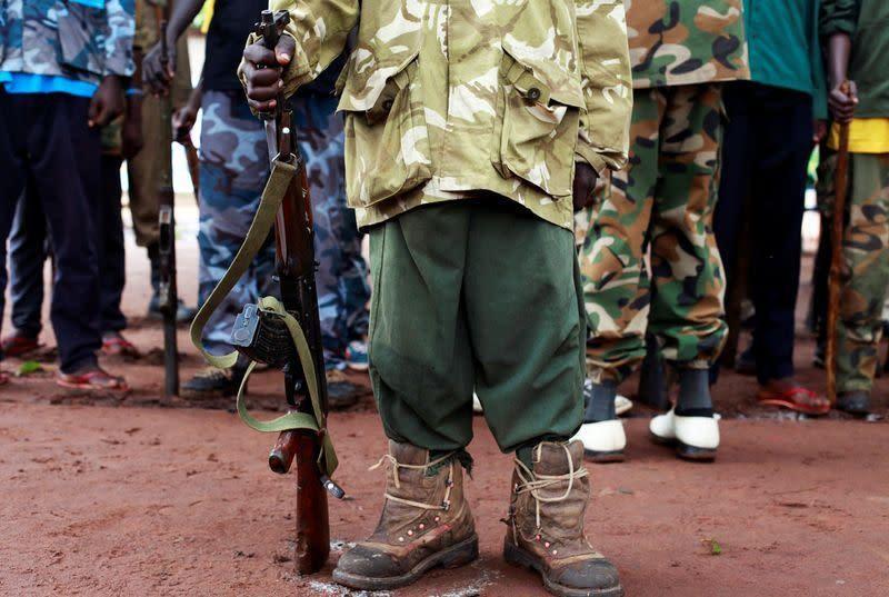 Hơn 8.500 trẻ em bị bắt làm binh lính trong năm 2020
