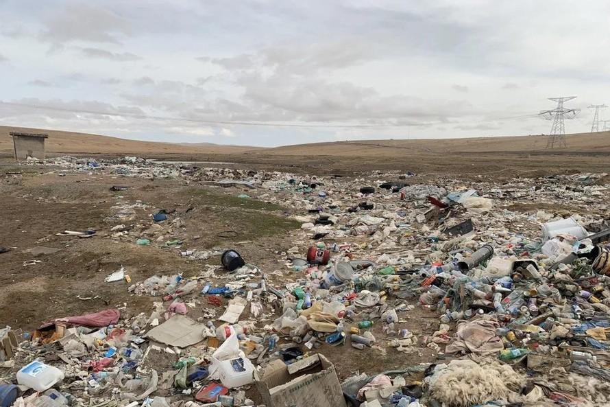 Di sản tràn ngập rác thải tại Trung Quốc