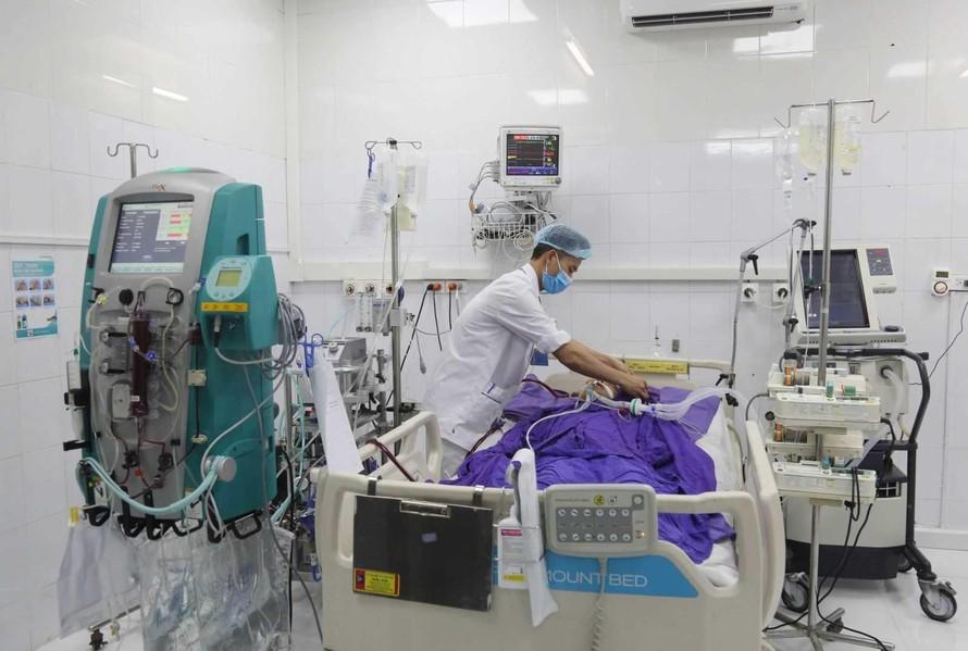 Cứu sống bệnh nhân COVID-19 nhờ áp dụng kỹ thuật cao