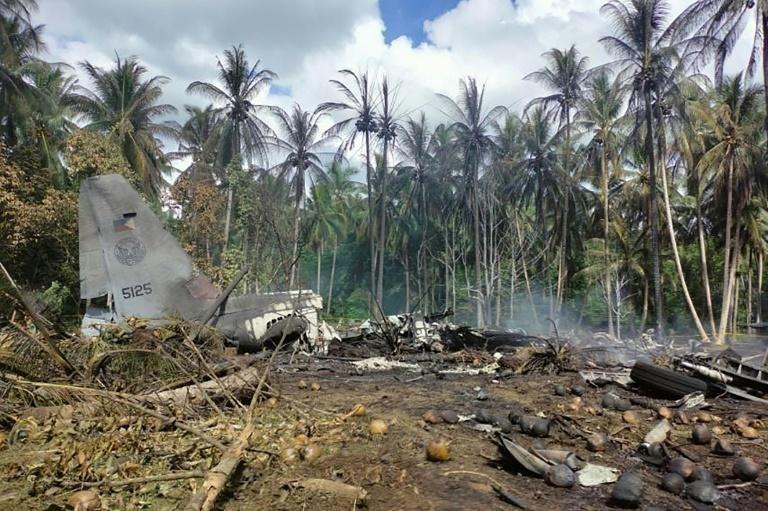 Rơi máy bay quân sự Philippines khiến 45 người thiệt mạng