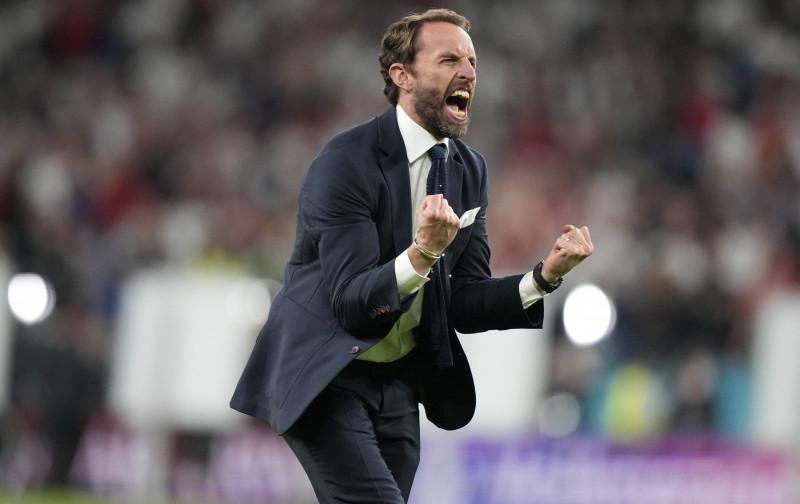 HLV tuyển Anh thúc giục học trò vượt qua 'rào cản cuối cùng'