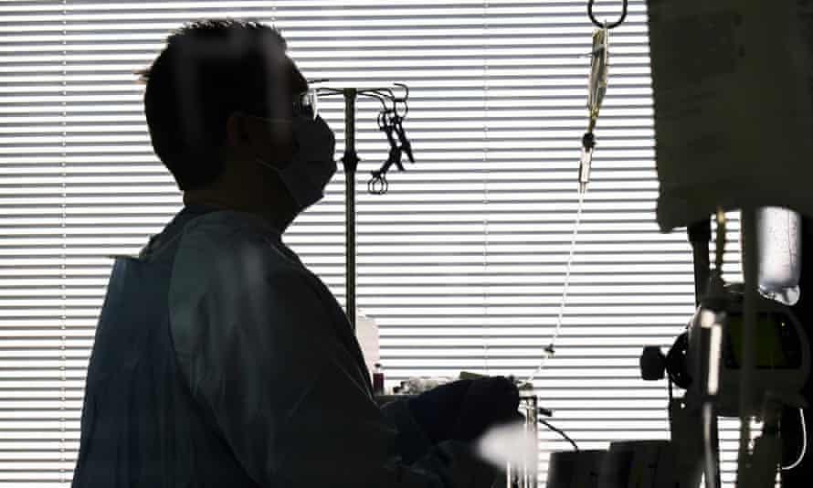 Bệnh nhân COVID-19 cầu xin vaccine trước khi qua đời