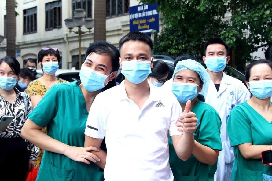 Hơn 6.000 nhân viên y tế tiếp sức cho TP HCM