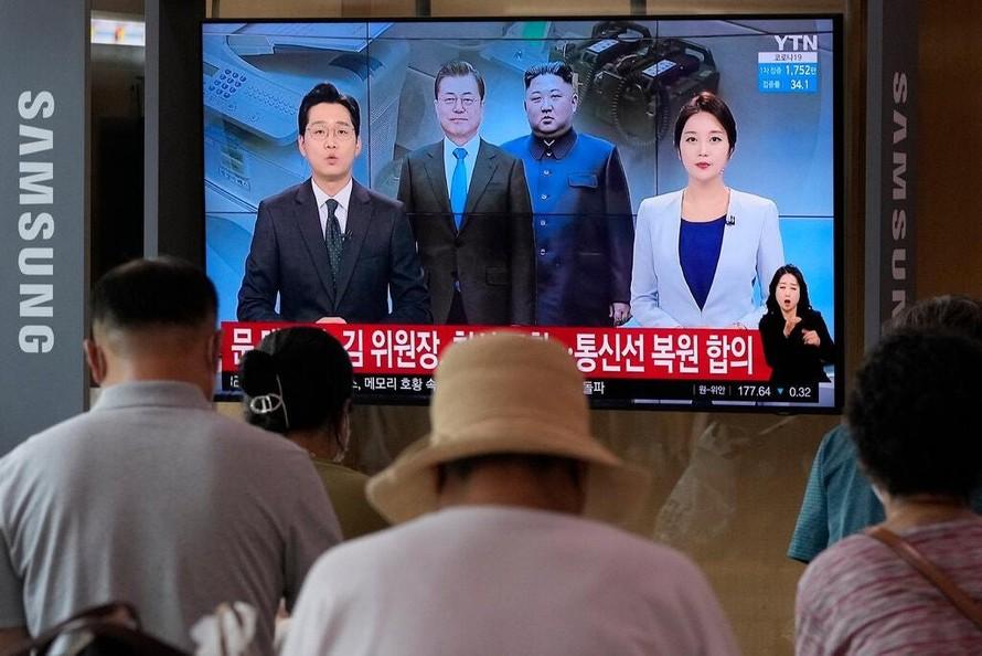Hai miền Triều Tiên khôi phục đường dây nóng