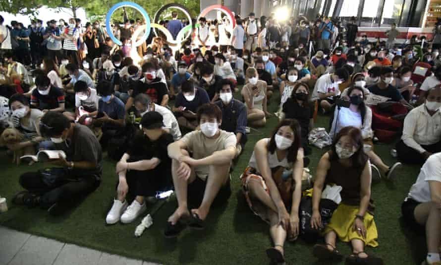 Nhật Bản thúc giục người trẻ đi tiêm vaccine