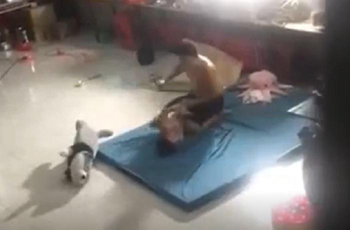 Ảnh cắt từ video vụ việc.