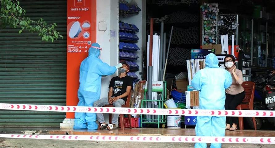 Quảng Ngãi, Thái Bình phát hiện nhiều ca dương tính với SARS-CoV-2
