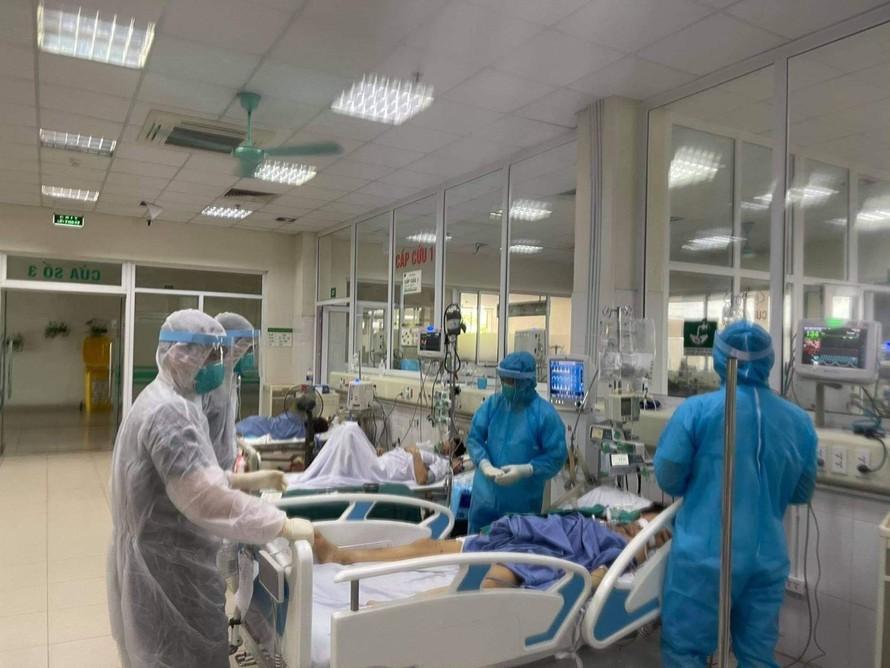 Hà Nội chuẩn bị 8.000 giường điều trị bệnh nhân COVID-19