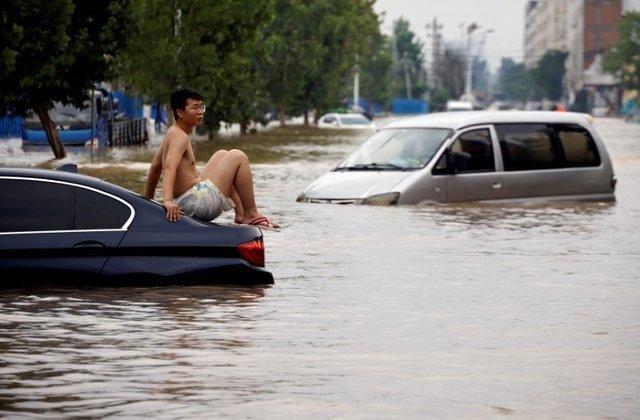 Trung Quốc tiếp tục hứng chịu mưa lớn