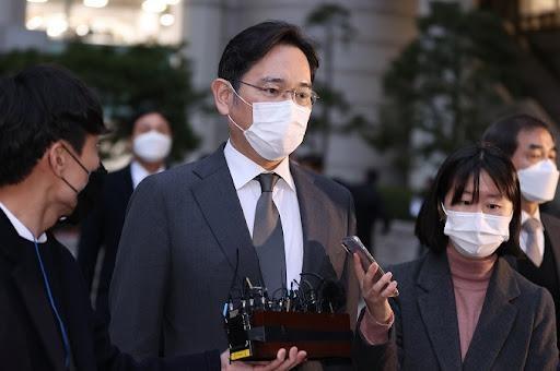 Quyết định đặc xá người thừa kế Samsung gây tranh cãi