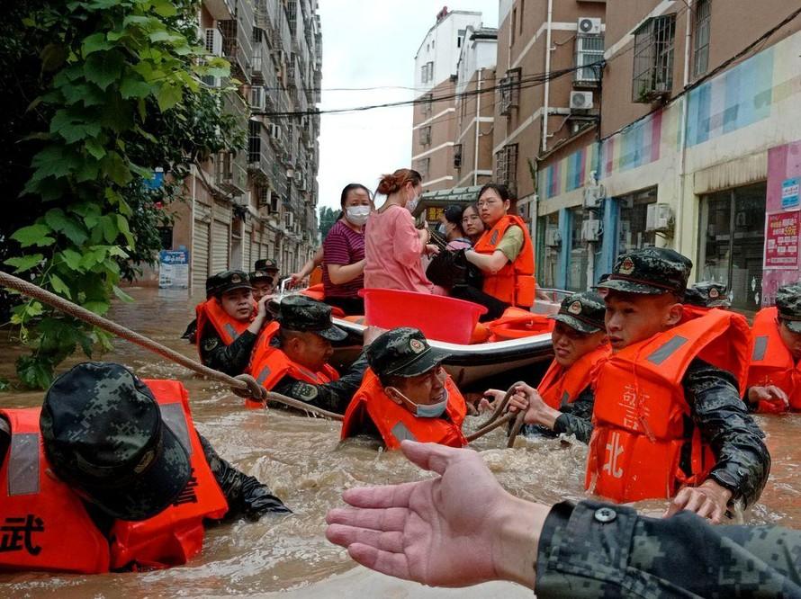 Miền Trung Trung Quốc tiếp tục hứng chịu mưa lũ