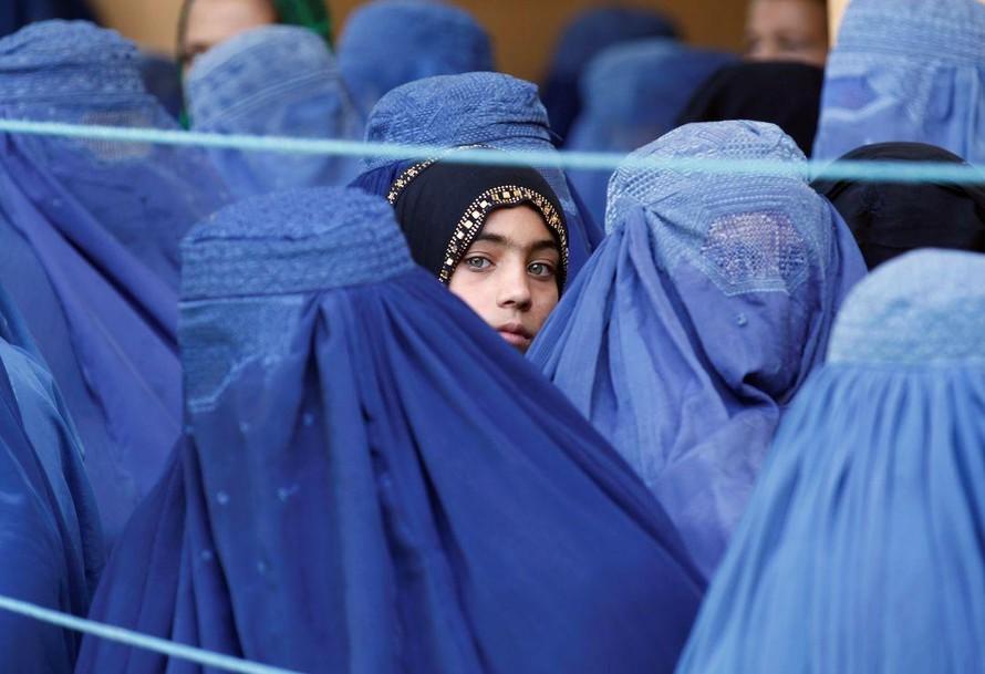 Taliban tuyên bố ân xá, tôn trọng quyền phụ nữ