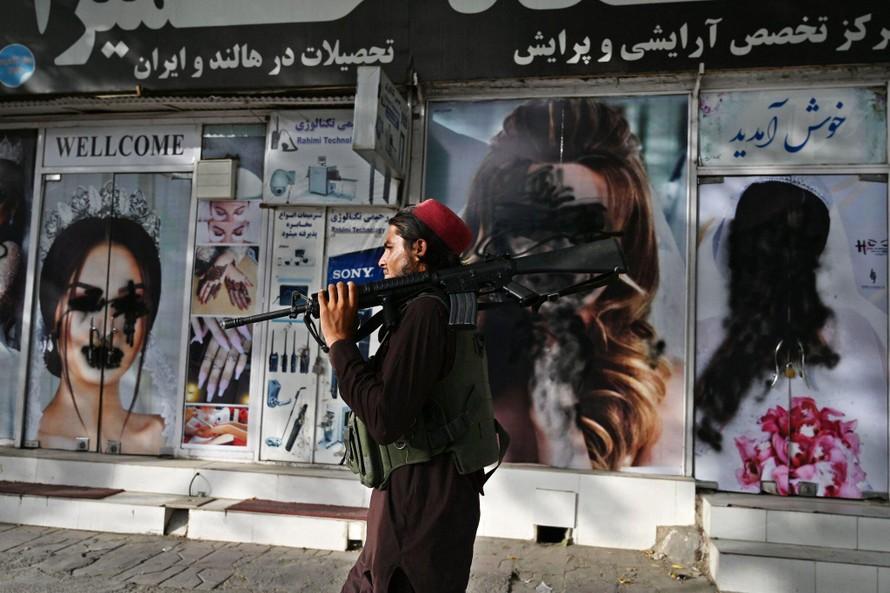 Luật Shariah ám ảnh phụ nữ Afghanistan