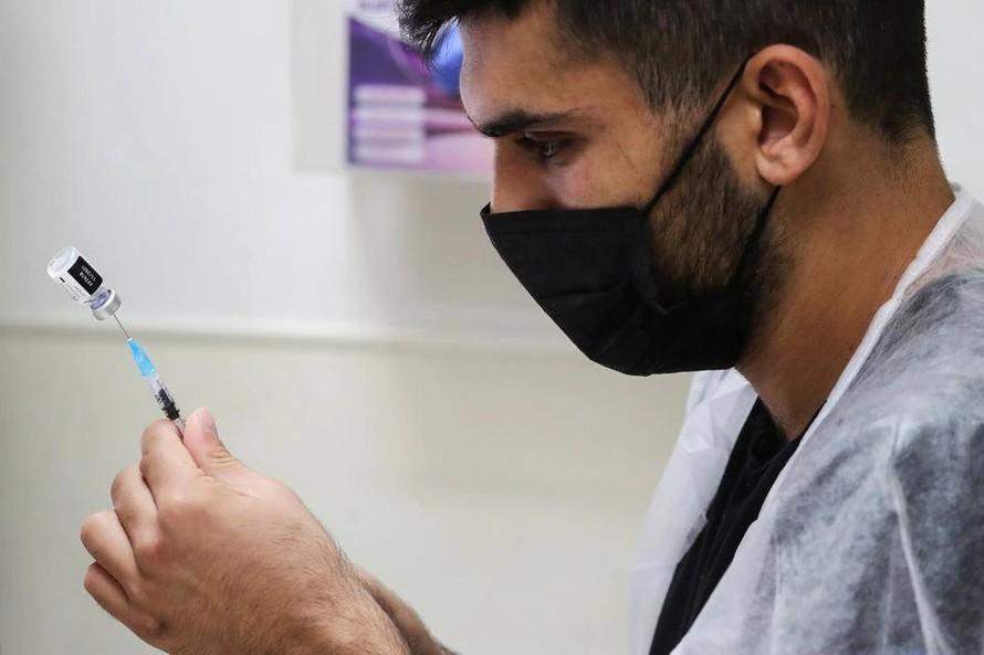 Israel: Mũi vaccine thứ ba làm giảm nguy cơ mắc COVID-19