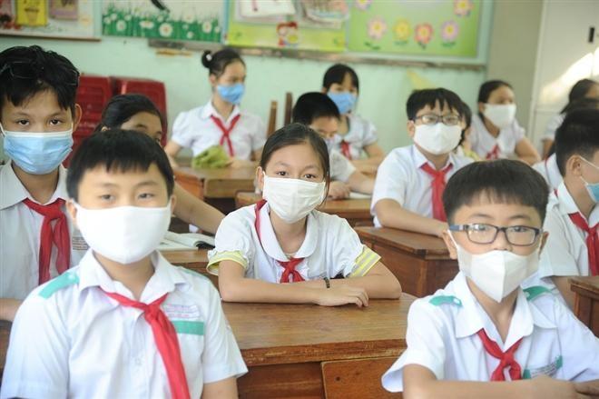 Thủ tướng: Đảm bảo an toàn trường học gắn với tiêm vaccine