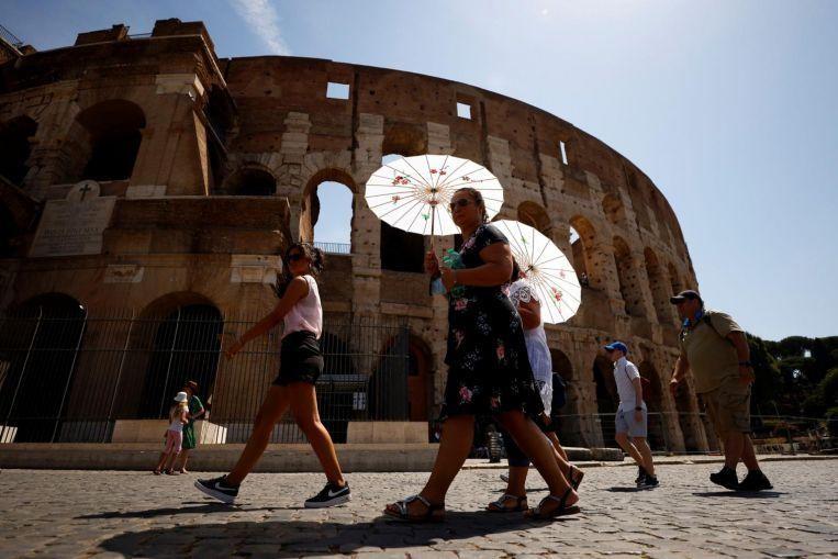 Chính phủ Ý xem xét bắt buộc tiêm vaccine ngừa COVID-19