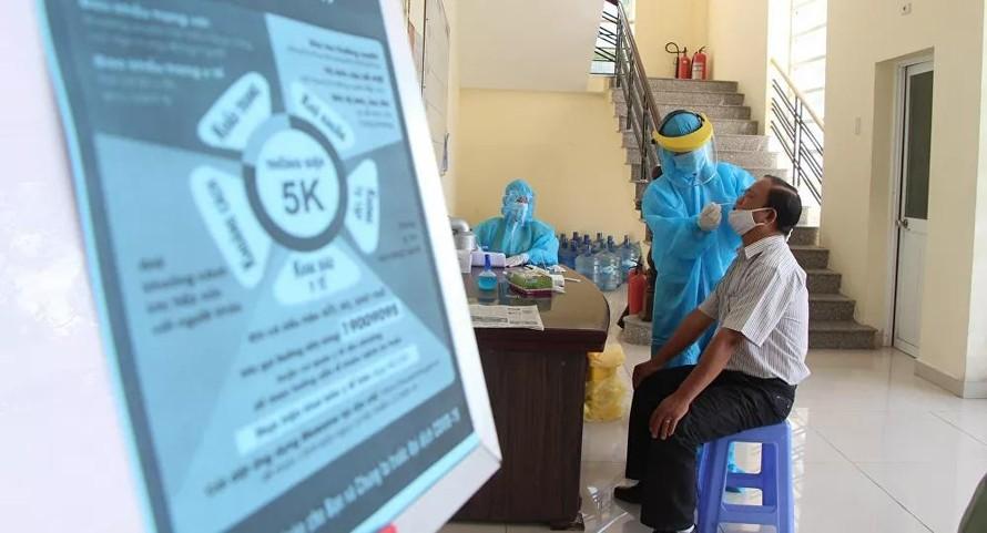 Hà Nội tăng tốc xét nghiệm, tiêm vaccine phòng COVID-19