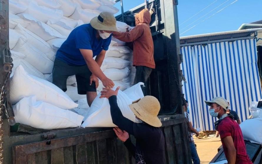 Xuất cấp hơn 1.847 tấn gạo hỗ trợ người dân Quảng Nam và Quảng Ngãi