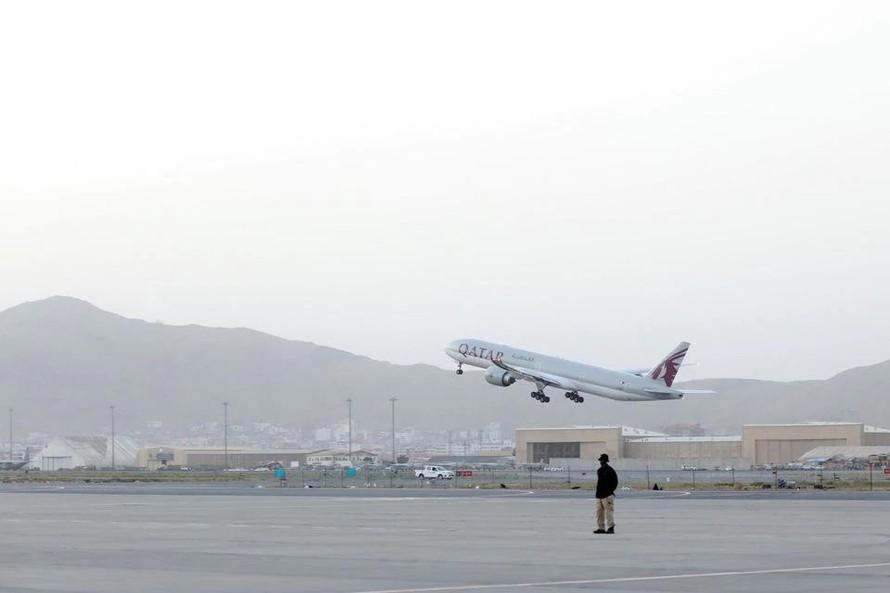 Afghanistan nối lại hoạt động bay thương mại