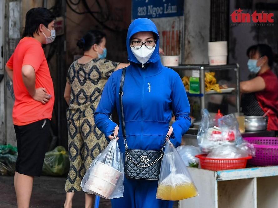 'Vùng xanh' Long Biên tíu tít hàng phở, bún bán mang về