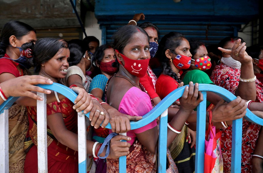 Thế giới kêu gọi Ấn Độ tái xuất khẩu vaccine