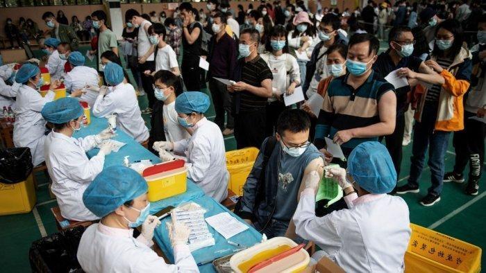 Một tỷ người Trung Quốc được tiêm đầy đủ vaccine