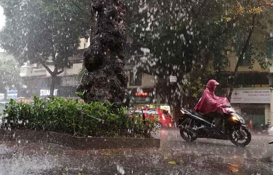 Vùng núi Bắc Bộ, Đà Nẵng vào đến Cà Mau mưa lớn, đề phòng lũ quét