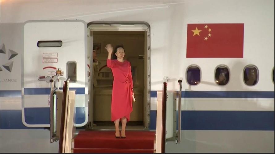 Giám đốc tài chính Huawei Mạnh Vãn Chu được trả tự do về Trung Quốc. Ảnh: Reuters