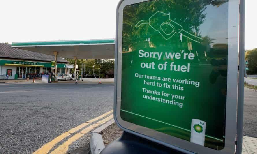 Nước Anh rơi vào cảnh thiếu xăng dầu