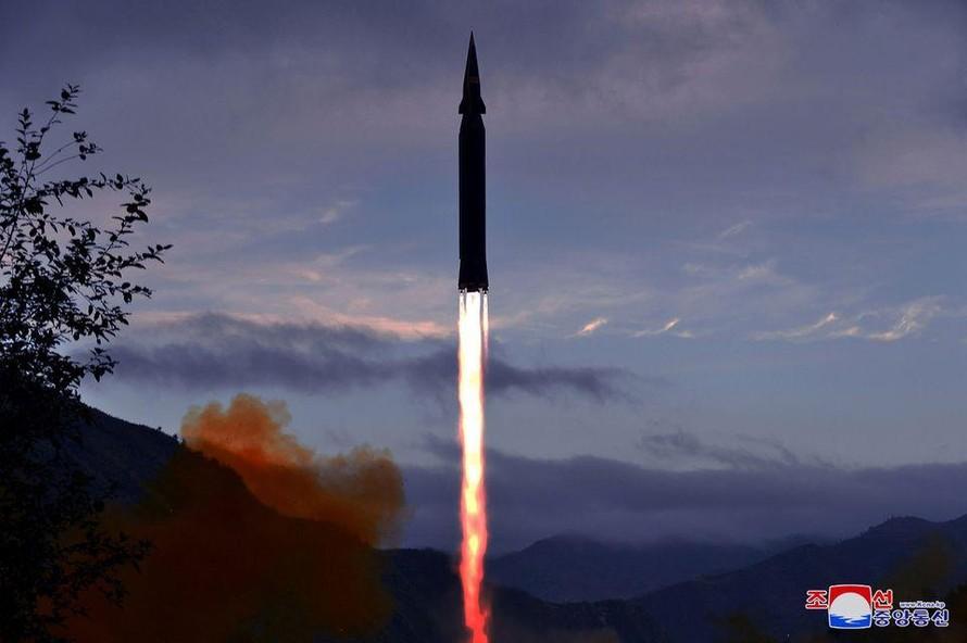Triều Tiên thử nghiệm tên lửa siêu thanh