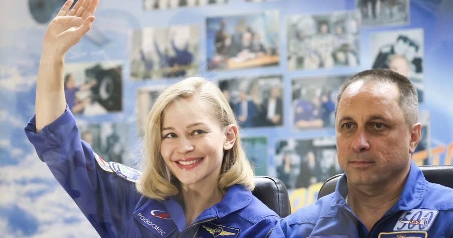 Nga đưa đoàn làm phim ra ngoài vũ trụ
