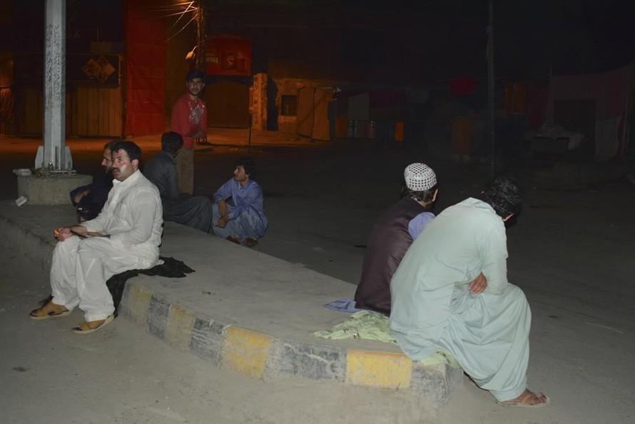 Động đất ở Pakistan khiến hơn 200 người thương vong