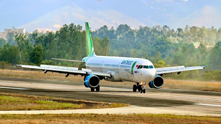Bamboo Airways đưa gần 200 thai phụ, người già, y bác sĩ Huế về quê