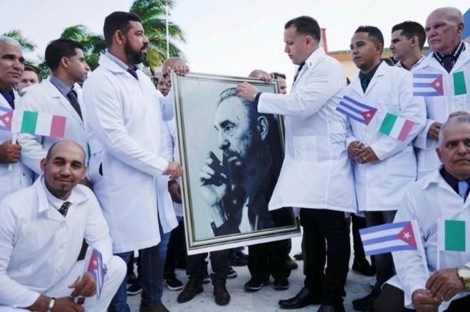 'Biệt đội áo trắng' Cuba chi viện Italy