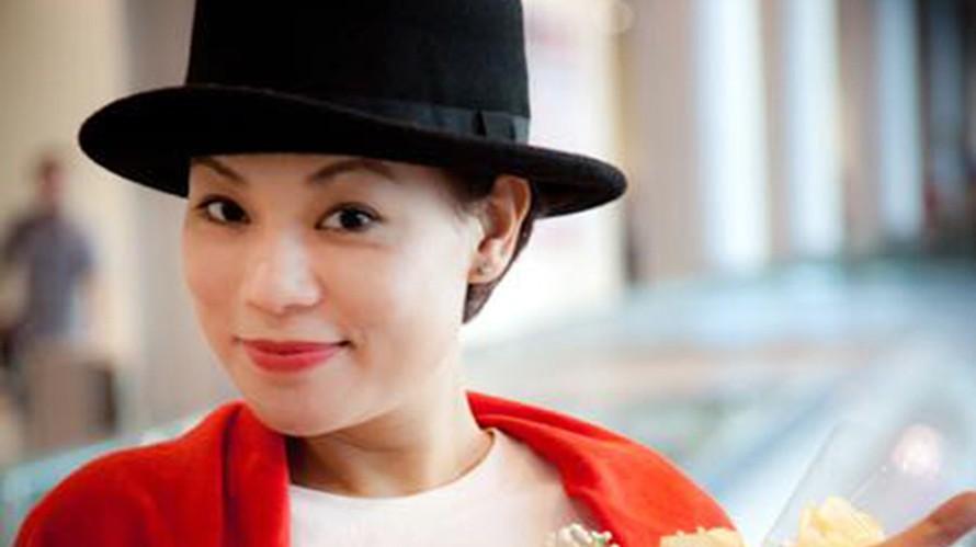 Vợ nghệ sĩ Xuân Bắc livestream gây xôn xao dư luận mấy ngày nay.