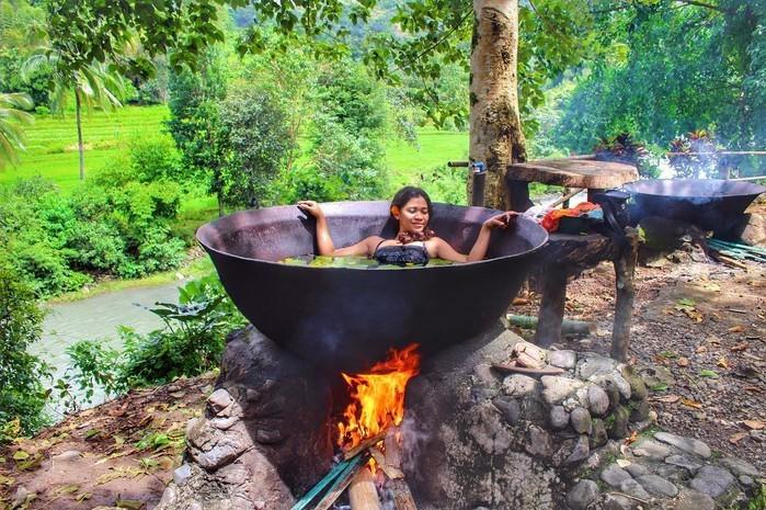 Trải nghiệm có 1-0-2 ở Philippines: Tắm trong 'vạc dầu'