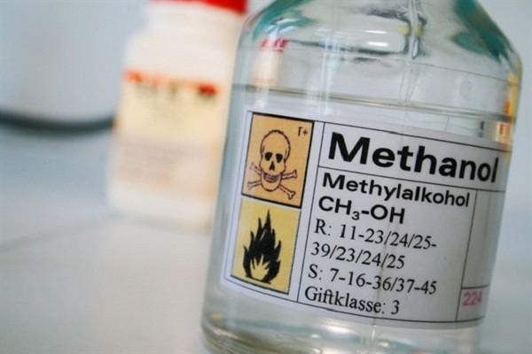 Cồn công nghiệp - Methanol là một chất độc bị cấm trong y tế.
