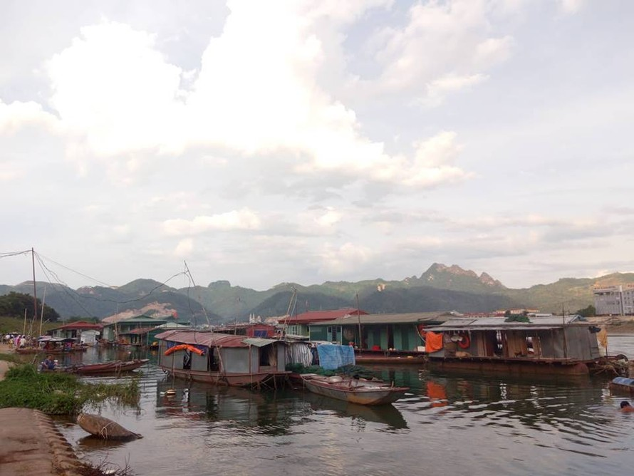 Hòa Bình: Khẩn trương di dân khi thủy điện Hòa Bình xả lũ