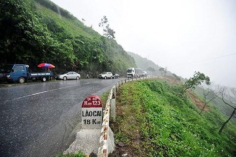 Lào Cai cấm xe từ 4 trục trở lên lưu thông trên QL4D trong kỳ nghỉ lễ 2/9