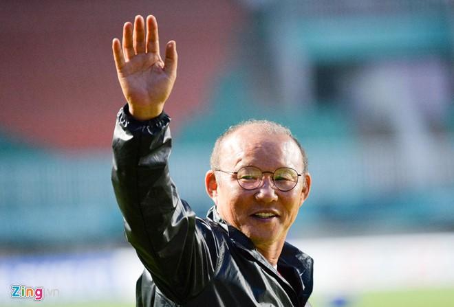 Bóng đá Việt Nam và nguy cơ để mất HLV Park Hang-seo
